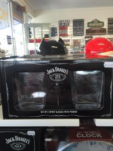 Smoke-n-Gifts-image novelty jack daniels gift set